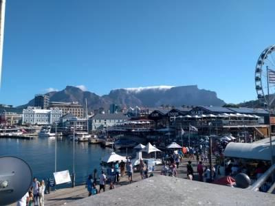 Waterfront Kapstadt mit Tafelberg